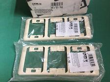 Niko Pr 20 crème Lot de 2 plaques de recouvrement triple verticale 12-763