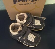 Bartek Kids Boots Baby Toddler Size Euro 22, US 6 Brand New Navy White NWT