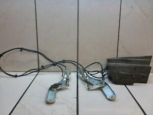 2004 VW VOLKSWAGEN PHAETON TRUNK ASSIST PUMP ASSEMBLY 3D5827785 3D5827383A