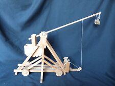 Maquette de trébuchet à roue
