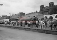 PHOTO  LNER LOCO NO 4771 GREEN ARROW AT SCARBOROUGH STATION 1986 VIEW 1