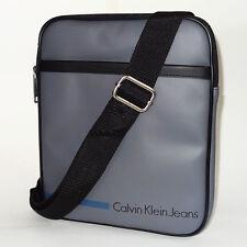 Calvin Klein Bolso Nuevo Bolso de hombro cuerpo gris Voyager/Bolso de Mensajero Pequeño Gris