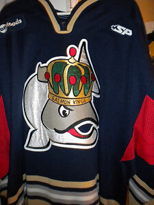 ECHL 2009-2010 VICTORIA SALMON KINGS ROB SMITH GAME WORN HOCKEY JERSEY