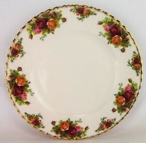 1962-1973 Royal Albert Old Country Roses Dinner Plate 26cm (style 2) **as new**