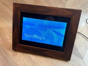 """7"""" Digital Photo Picture Frame, PF070, Wood-effect surround with stand, Tested"""
