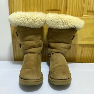 UGG Australia CHESTNUT Classic Suede Sheepskin Boots FLAW Size US 10