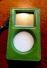 Apple iPod Classic 3rd Generation White (15 Gb) A1040, Bundle Coach Case!