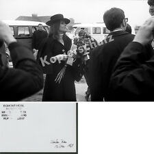 Foto Diana Rigg Ankunft Flughafen München - Riem James Bond Premiere Film 1969