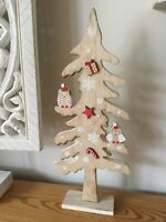 RUSTIC WOODEN FESTIVE BIRDS And Snowflakes IN A CHRISTMAS TREE HOME DECOR