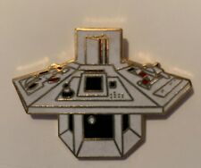 VINTAGE DOCTOR WHO TARDIS CONTROL CONSOL  pin badge UK SELLER