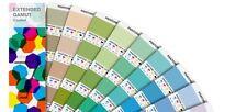 Pantone gama extendida recubierto Guía. Colores simuladas en 7 Colores proceso.