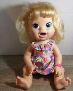 Baby Alive Snackin' Sara Bilingual Blonde Soft Face 2014 Hasbro BLUE EYES
