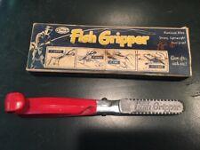 Vintage Stellar Fish Gripper with Original Box