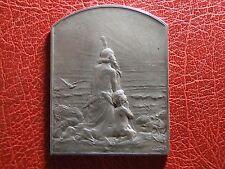 Art Nouveau le Salut au soleil, 1910 Paris Rare Silver medal by Georges Dupré
