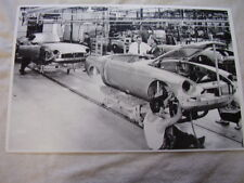 1970 'S MGB ASSEMBLEY LINE  11 X 17  PHOTO  PICTURE
