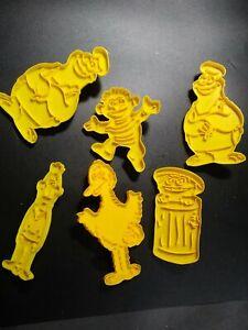 Set of 6 Vintage 1977 Wilton Sesame Street Plastic Cookie Cutters Monster Ernie