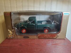 Road Signature 1959 Ford f-250 Pickup Truck 1:18 Scale Diecast Model Green