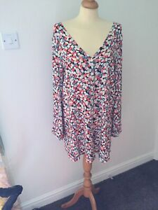 GLAMOROUS FLORAL TOP LOVELY COLOURS FLARED SLEEVES SIZE 14 16