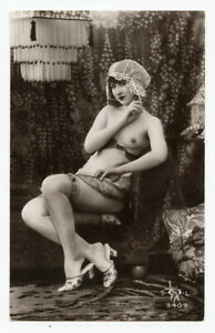 1920s French Risque Nude CUTE FLAPPER Pretty Lady photo postcard