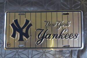 NEW YORK YANKEES MLB BASEBALL METAL LICENSE PLATE GENUINE MERCHANDISE