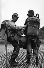 Guerre d'Indochine - Vérifications avant le saut sur Dien bien Phu