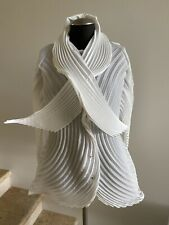 NWT $1,325 ISSEY MIYAKE Wave Sculptured Top Jacket in White, Size 2