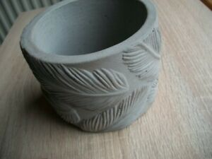 Concrete flower pot. Leaf pattern .112mm x 86mm high. natural finish.