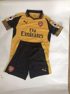 Arsenal Away Kit 16/17 Alexis Sanchez Full Kit With Socks Size Medium Mens