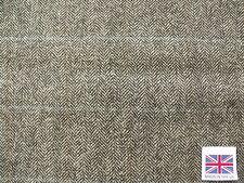 100% Pure Wool Herringbone Tweed Fabric with Windowpane Overcheck 1.55 m