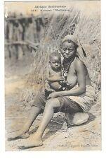 ETHNOLOGIE AFRIQUE NOIRE SEINS NUS femme Malinké MALI GUINEE gros plan