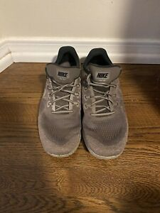 Nike Free RN Size 11. Green/Gray