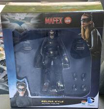 MAFEX #009 BATMAN THE DARK KNIGHT CATWOMAN SELINA KYLE FIGURE