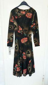 hübsches Kleid  42 Flower Power schwarz mit Gürtel top Zustand