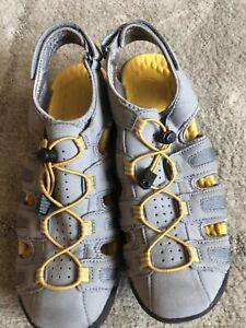 Clarks women's comfort sandals Gray -yellow size 10w