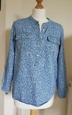 Gap Ladies Size XS Light Blue with White Flowers Detail Lightweight Shirt