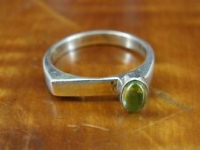Silver 925 Ring Size 7 3/4 Green Stone Modern Style Band Sterling