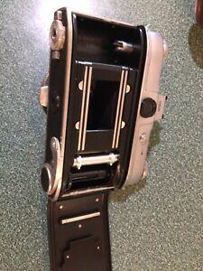 Kodak Retina Reflex 35mm SLR Camera - Schneider Xenon C 50mm F2.0 Lens