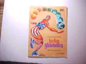 1965 HARLEM GLOBE TROTTERS BASKETBALL SOUVENIR PROGRAM V. COLORFUL 30 pp. Fine