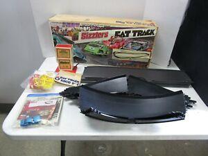"""Vintage 1970 Mattel *SIZZLERS FAT TRACK* Big """"O"""" Race Set"""