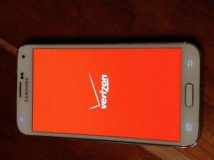 Samsung Galaxy S5 SM-G900V 16GB White Verizon Unlocked Smartphone TracFone