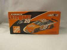 Tony Stewart Home Depot 2000 Pontiac Grand Prix 1/24 Scale Nascar Diecast