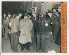 1946 Jones Laughlin Steel Strike Railroad Workers Collect Pay PA Press Photo