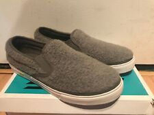 JC PLAY JEFFREY CAMPBELL WOMENS GRAY SHEARLING SNEAKERS SHOES 9 NWB