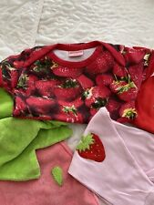 5 pieces Girl's Baby Bundle 0-2yrs mixed. Cult Beauty & The Bib New & Used