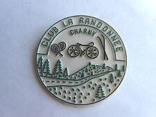 Vintage Club La Randonnee Charny France Alpine Resort Souvenir Pinback Badge