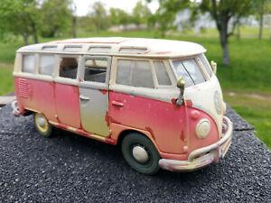 Volskwagen bus combi T1 effet vielli,neuf echelle 1:25,longueur 16cm