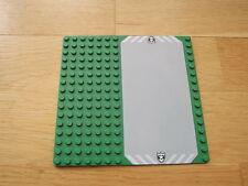 LEGO 16 x 16 VERDE il battiscopa piastra di base Vialetto & stemma Police White Star