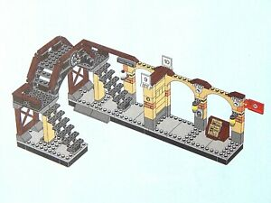 LEGO Train Station Harry Potter Kings Cross Railway Platform 9 3/4 from 75955