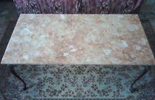 Tavolino basso da salotto piano in marmo rosa e struttura ottone epoca metà '900