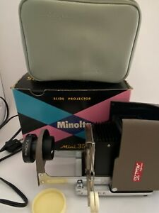 Vintage Minolta Mini 35 Slide Projector, Case and Box